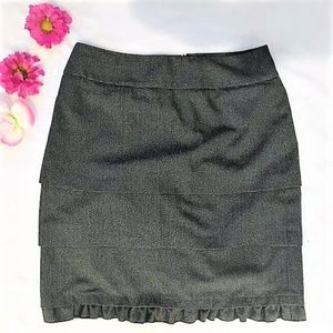 Larry Levine | Ruffle Pencil Skirt Size 10